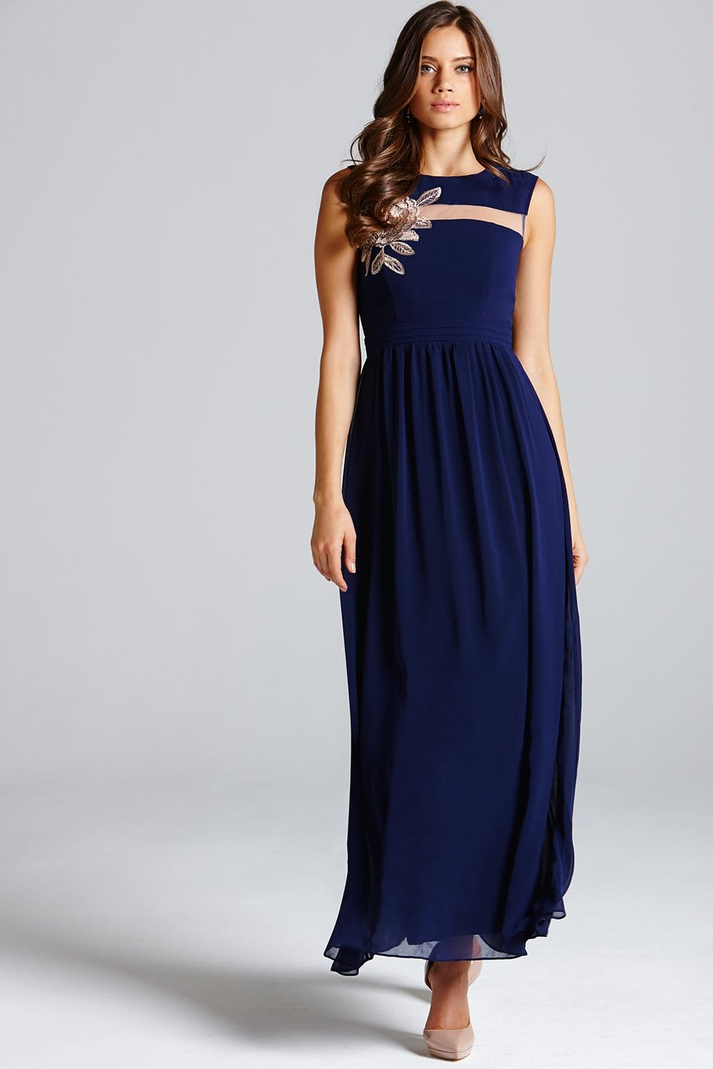 The Air of Romance Navy Blue Maxi Dress will have you feeling the love! A modified halter neckline and seamed bodice tops this elegant dress with a sweeping maxi skirt/5(1K).