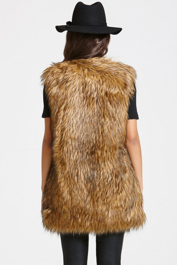 Faux fur gilet Faux fur boots Plaid vest Plaid shirts Bonfire outfit fall Girls fur Brown fur vest Fur vest outfits Fall & Winter Outfits Fur Vests Fashion Today Cold Winter Outfits Checked Shirts Cool Outfits Sweater Vests Casual Attire WINTER FASHION Fall & Winter Fall Shoe Fur Haute Couture Dressing Up Hairstyles.