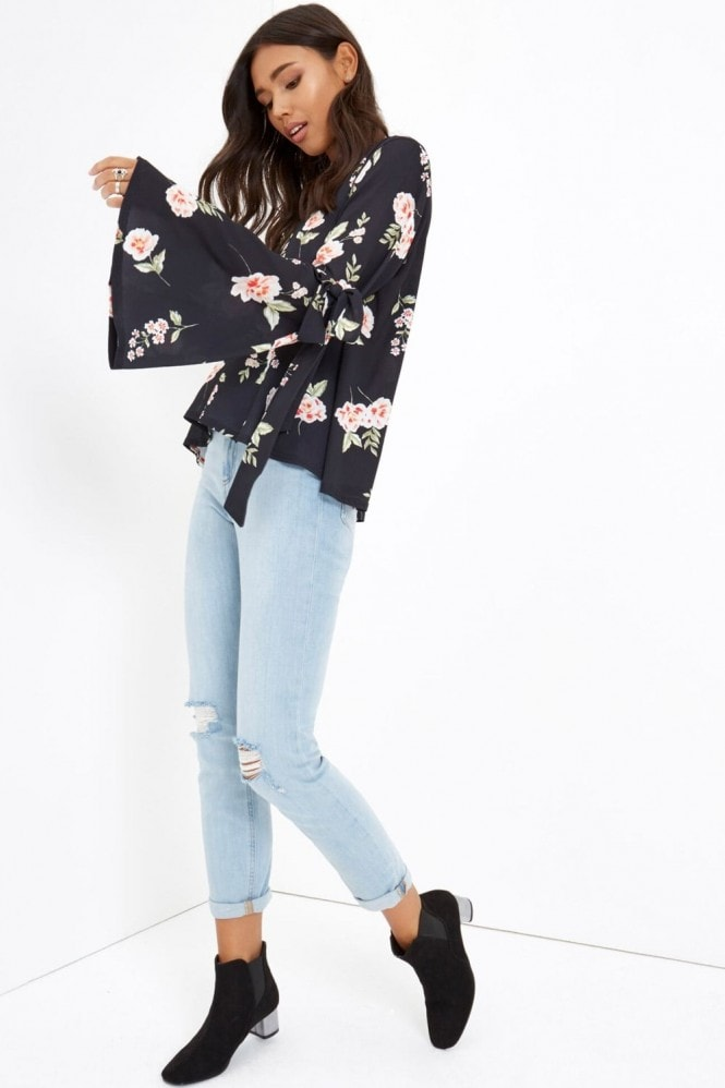 Outlet Girls On Film Black Floral Print Top