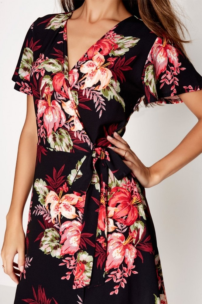 Girls on Film Floral Print Shift Dress