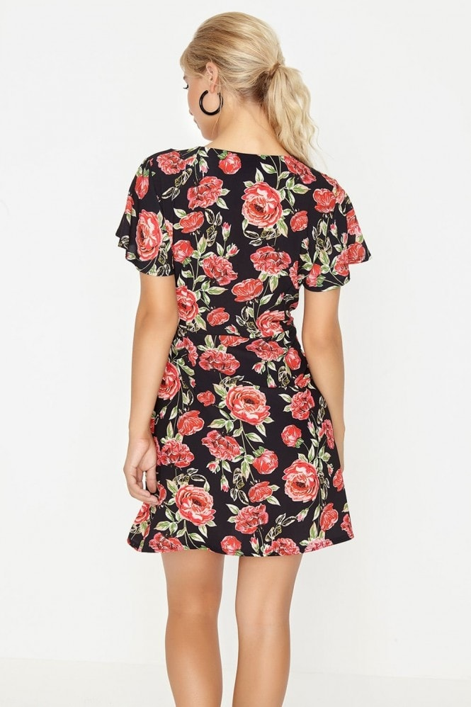 Girls on Film Rose Print Shift Dress