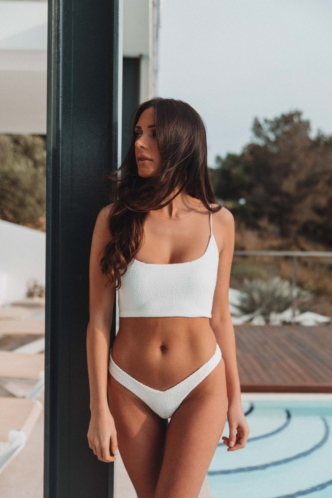 Vana Europe Holly Ivory Textured 'V' Bikini Bottoms