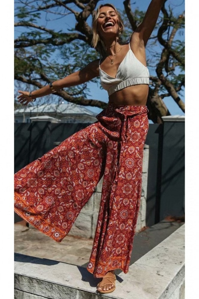 FS Collection Wide Leg Trousers With Elastics Waist Band And Pockets In Orange Floral