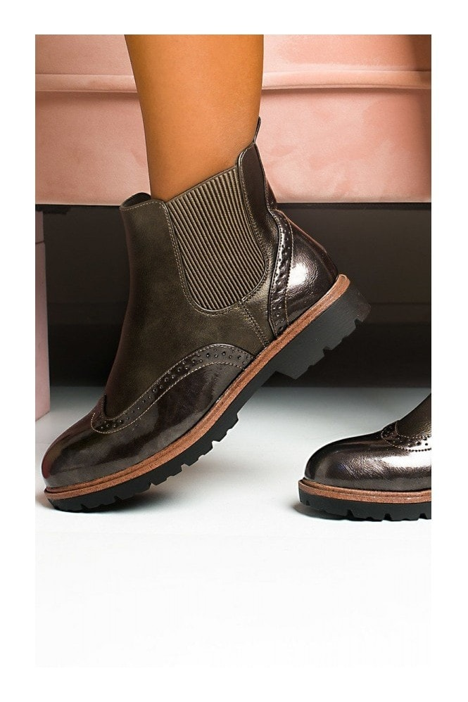 IKRUSH Kene Faux Leather Brogue Chelsea Boots