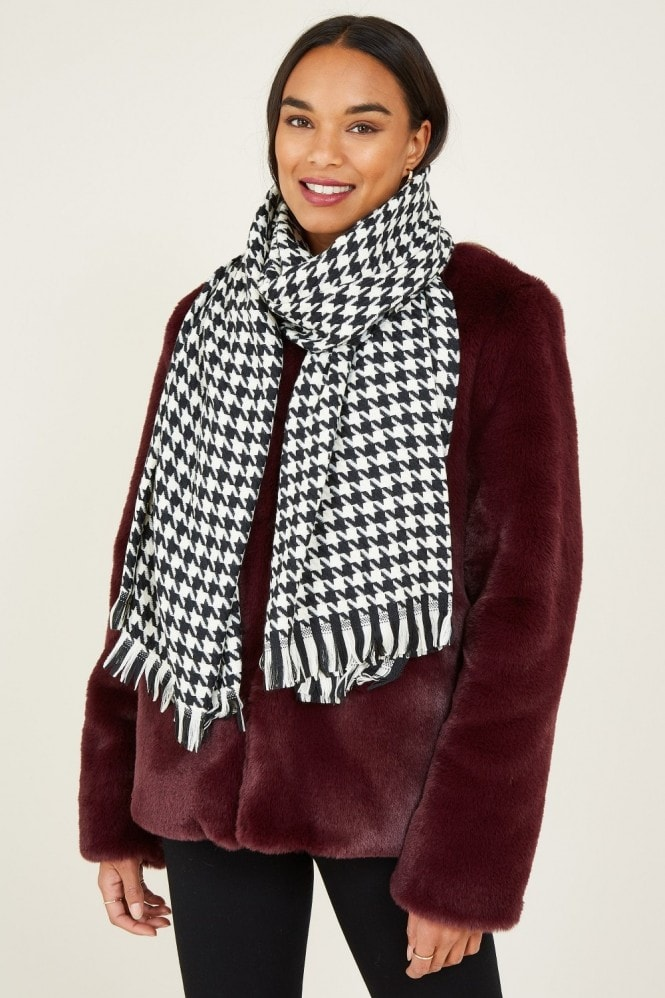 YUMI Black Dog Tooth Scarf