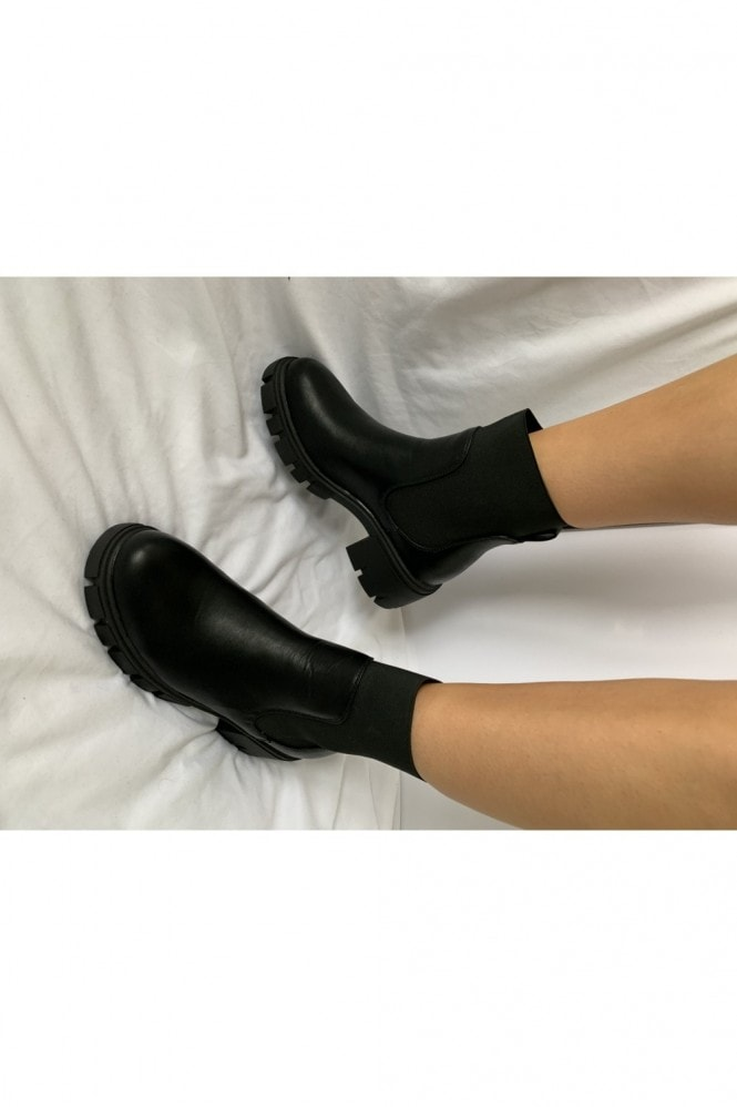 Black Feature Elastic Chelsea Boot
