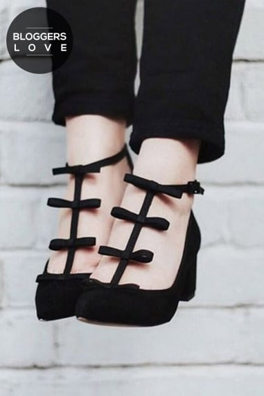 Raisie Black Mid Heels with Mini Bows
