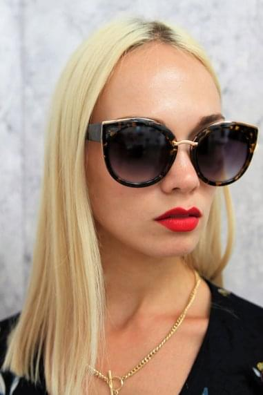Tyra Retro Sunglasses In Tortoiseshell