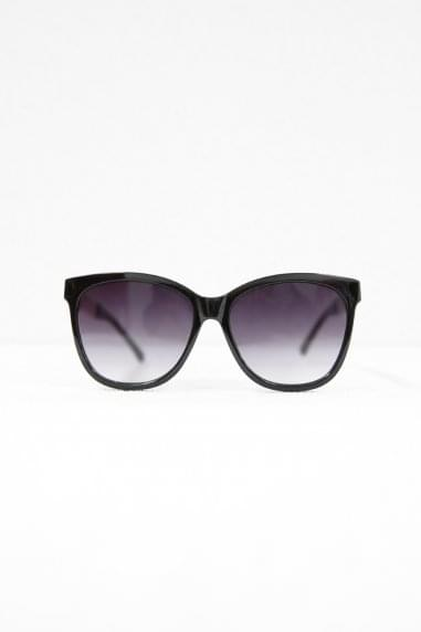 Cara Square Sunglasses In Black