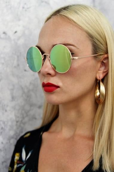 Alek Round Mirror Sunglasses In Green