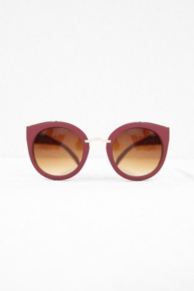 Tyra Retro Sunglasses In Matt Burgundy