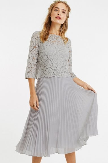 Pale Grey 3/4 Sleeve Lace Pleated Midi Dress