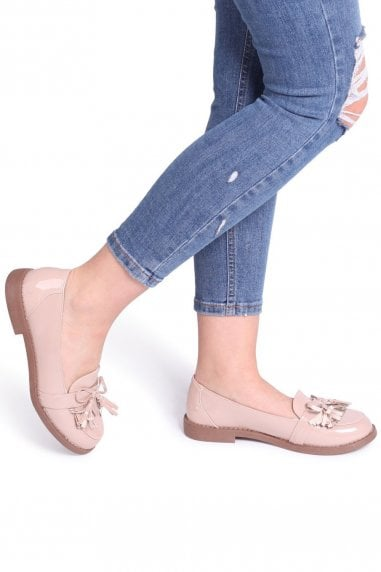 PISCES - Nude Patent Loafer With Tassel And Fringing Detail