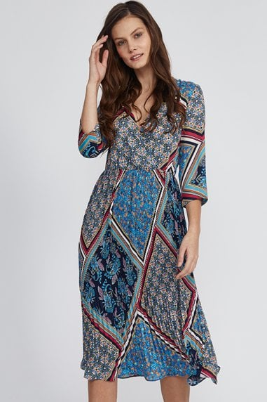 Liquorish Blue Scarf Print 3/4 Sleeve Pleated Dress