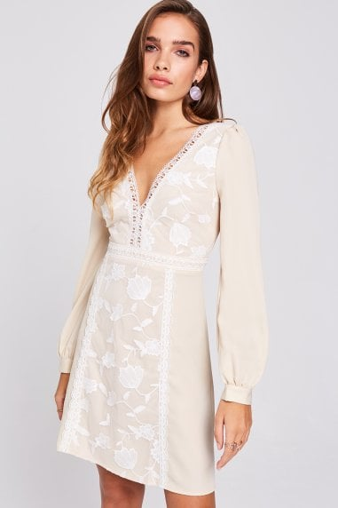 Ellis Buttercup Embroidered Shift Dress