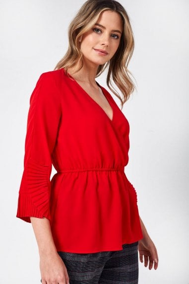 Oma Pleated Cuff Top in Red