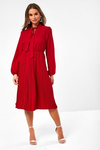 Rio Pleated Dress in Wine