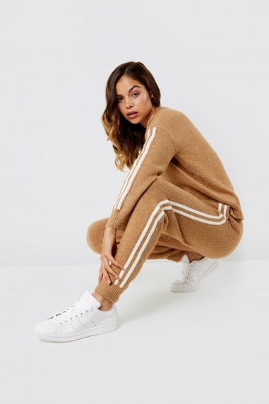 Knitted jogger with side stripe oatmeal co-ord