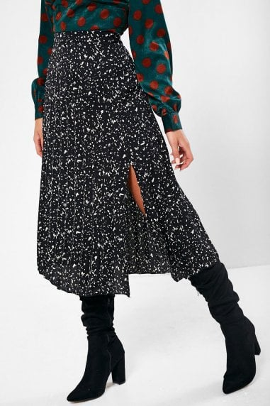 London Printed Pleated Skirt in Black
