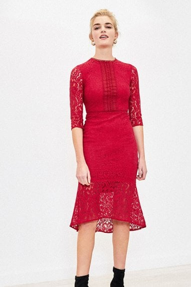 LACE FISHTAIL DRESS IN MID RED