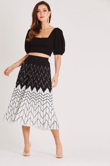 Black and White Printed Pleated Skirt