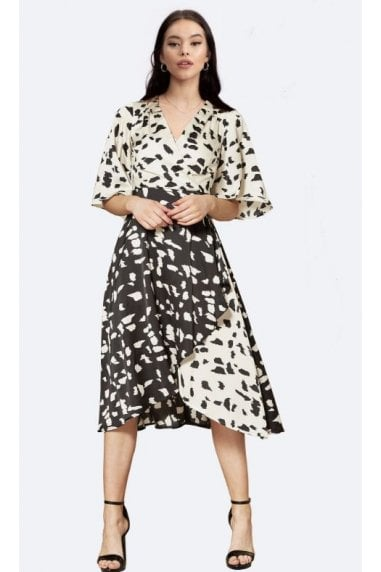 Short Sleeve Wrap Dress in Black & White Print