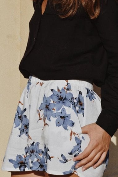 Ararose Clothing - Floral Shorts - Santorini White & Blue