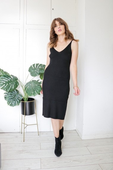 Light Knit Midi Strappy Dress In Black
