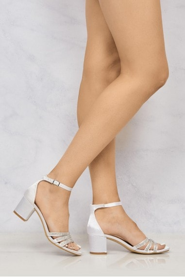 Rennie Anklestrap Dia Open Toe Sandal In Ivory