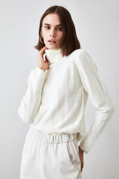 Little Mistress x Trendyol Ecru Knit Detailed Knitwear Sweater