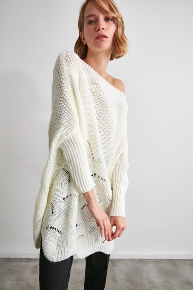 Little Mistress x Trendyol White Oversized Knit Jumper