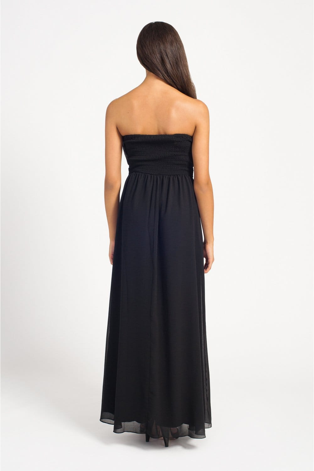 This gorgeous bandeau maxi dress made with black chiffon is a timeless classic! This style with a silver embroidered detail waist suits all shapes and sizes and is the perfect dress for all occasions!