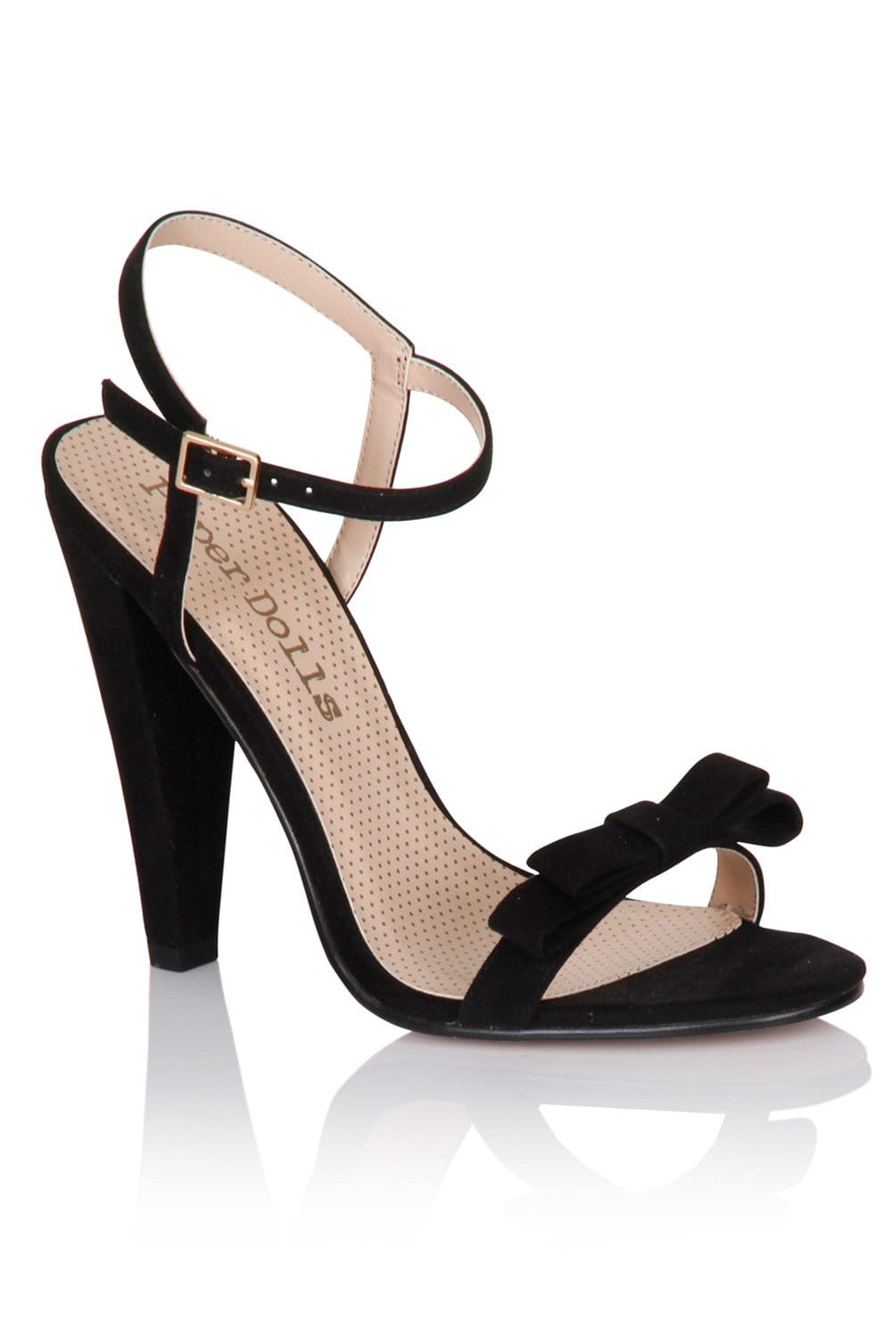 New shoes are always a good idea. Put your feet on a pedestal in this black high heels edit. Seasonless but a forever-favourite, these black heels are vying for a place in your 'drobe.