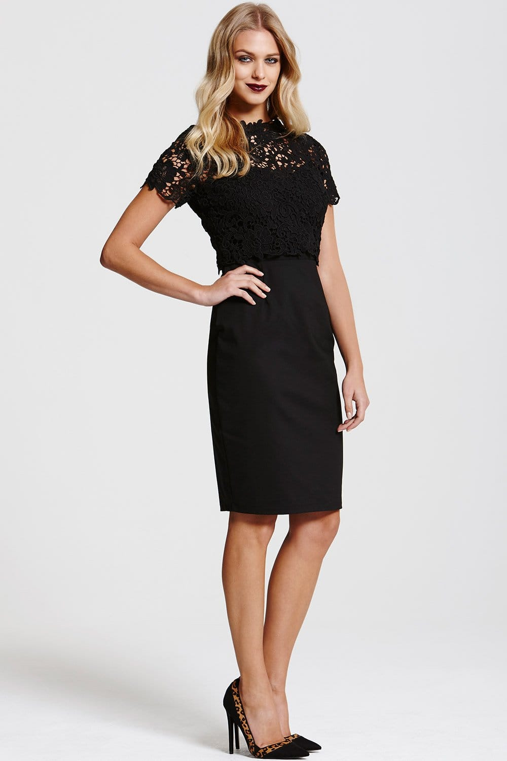 Kohl's has a wide variety of dresses to choose from with many different styles available, including black holiday dresses, petite black dresses and long black dresses. At Kohl's, you know that you can find all the apparel you need to be prepared for every season and any event.