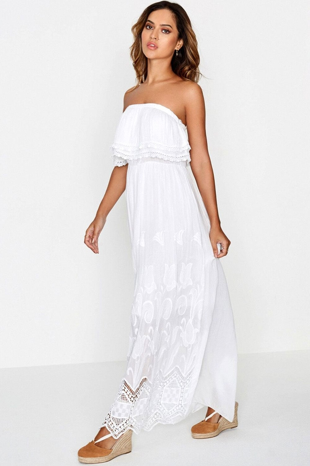 Buy the latest women's White dresses online at low price. StyleWe offers cheap dresses in red, black, white and more for different occasions. Maxi Dresses Midi Dresses Shop by Style Boho Dresses Elegant Dresses.